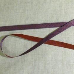 Ruban violet à pois bordeaux