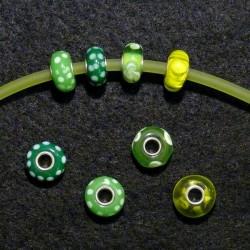 Perles en verre assorties couleur verte
